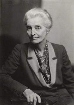 Beatrice_Webb,_1943